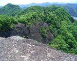[城址] そそり立つ岩山と絶壁。甲斐国 岩殿城(山梨県)